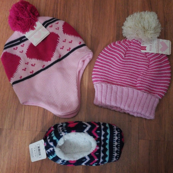 Girls winter bundle hats and slippers 6827e28705a